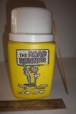 Road Runner 1973 Thermos Complete