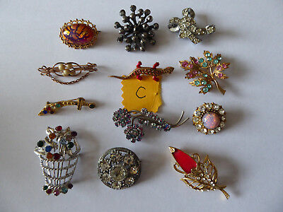 Job lot 12 lovely vintage brooches (lot C)