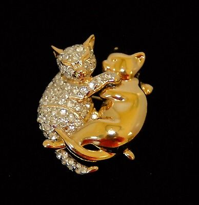 Vintage Rhinestone & Gold Plated Cuddling Cats Pin