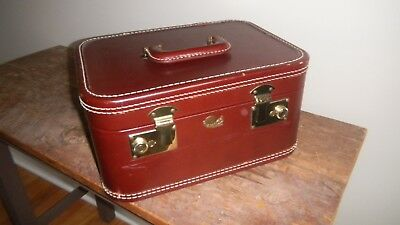 1940s Vintage All Leather Train Case & Keys! / Clean and Exc Condition