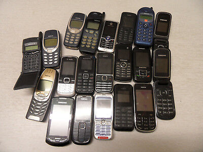 Job Lot of 20 Old Mobile Phones for Spares and Repairs (Nokia, Samsung etc)
