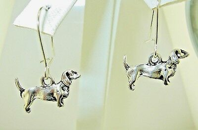"New  petite 3-D DACHSHUND Doxie Dog Silver-tone Drop Dangle Earrings 1-1/8"" lon"