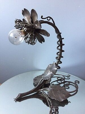 lampe art deco fer forgé fleurs signature A Coignard french art deco lamp flower