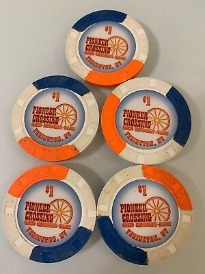 Pioneer Crossing Casino $1 LOT OF 5 Casino Chips Yerington Nevada 2.99 Shipping