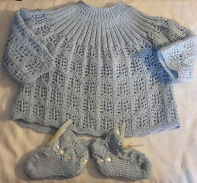 BRASSIERE + CHAUSSONS BEBE tricot neuf laine bleue