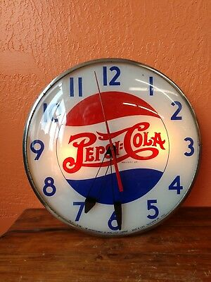 Vintage Pepsi-Cola Round Electrical Light Up Wall Clock PC-1 6-44 Telechron GGC