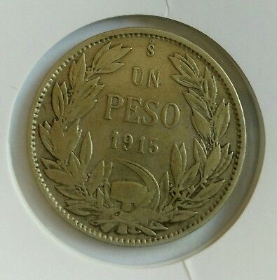 Chile 1 Peso 1915 Eagle Arms Scarce Silver Coin In Excellent Condition .