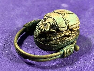 Circa 770-330Bc Ancient Egyptian Gold Coloured Swivel Ring With Scarab Bead Seal
