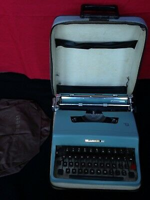 Olivetti Lettera 32 Vintage Portable Typewriter - Spares/Repairs With Cover