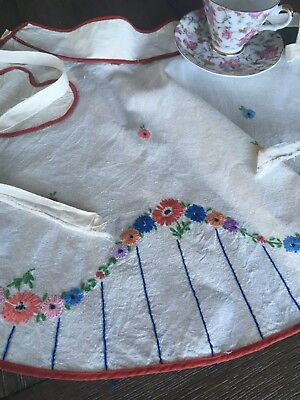 Vintage Handmade Embroidered Apron Heart Pocket