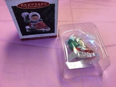 Hallmark Fosty Friends #16 1995 Chritsmas Ornament