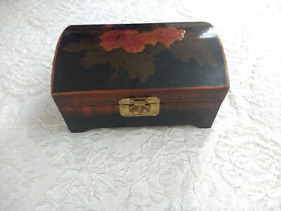 Vintage Carved Chinese Wood Storage Trinket Jewellery Box Chest Flowers Picture