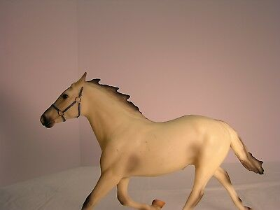 "Breyer Horse Pacer ""before The Wind"" 1997 Toys ""r"" Us Lim Ed 7500 Made Mold #46"
