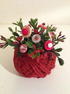 VTG Valentine  Button Bouque/ Red Jute Ball-Country Prim Farmhouse Rustic Decor