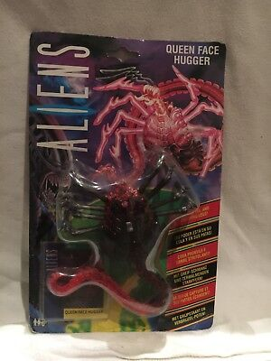 """Kenner Aliens - Queen Face Hugger Figure - 6"""" with card 1992 MOC"""
