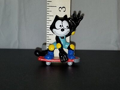 Rare Vintage Felix The Cat PVC Figure On Skateboard                       #S-657