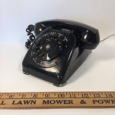 Automatic Electric Early Model 80 Rotary Dial Telephone.