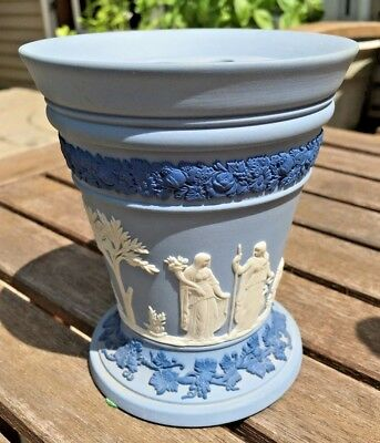 Vintage Wedgwood Pale Blue (Lavender) Tri Color Jasperware Vase With Frog Cobalt