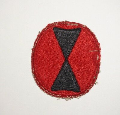 7th Infantry Division Red Border Patch WWII US Army P8301