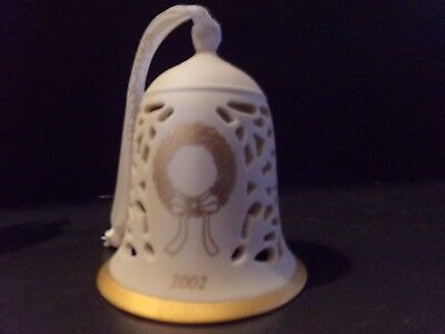 WEDGWOOD Ivory Porcelain Christmas Wreath Etched Bell  Year 2002 Pierced, VGC