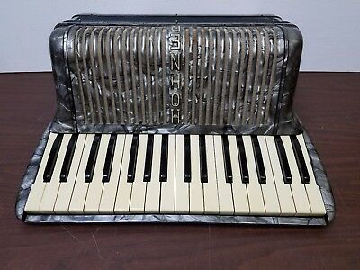 Vintage Hohner Verdi 1A Intermediate Size 34/60 Piano Accordion