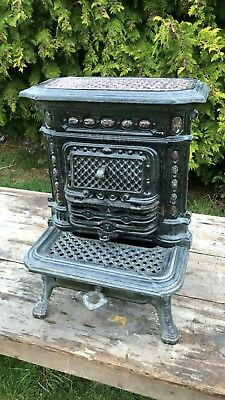Beautiful Antique Vintage French Cast Iron Fire. Free Standing On 3 Legs *