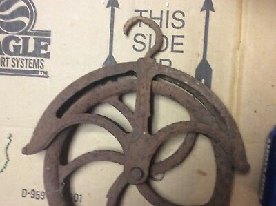 """Vintage Antique Cast Iron 10"""" Well Pulley,  Poor Condition"""