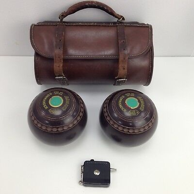 ALMARK COMMANDER Pair of Lawn Bowls + Case + Terry's Measure & Calipers 42818