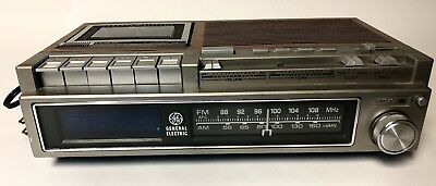 Vintage General Electric Alarm Clock Radio with Cassette Player 7-4975C    3685K