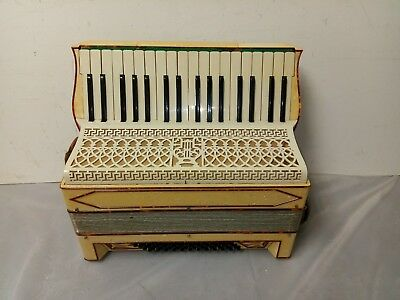 Vintage Italian 48/34 Intermediate Size 20/14 Accordion