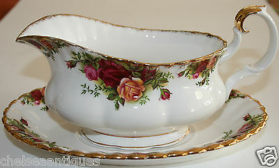 Vintage 1962 Royal Albert Old Country Roses GRAVY BOAT & GRAVY TRAY Floral Gilt