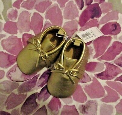 NWT Old Navy Baby Girl Moccasins Crib Shoes Gold Fringe Bow 6-12 m Holiday Gift