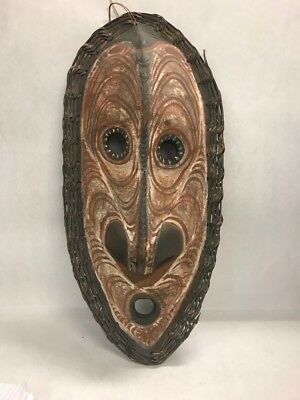Vintage large 24 inch wood Mask wall hanging warrior tribal New Guinea Aborigine