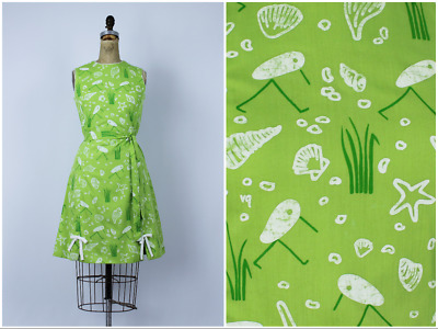 Vintage 1970s/70s Johnny Appleseed Walking Clam Shell Novelty Print Dress 60s