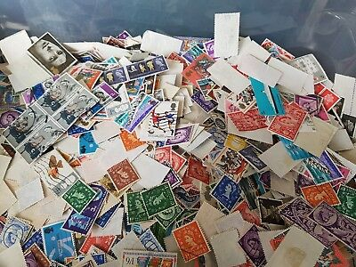 GB WILDINGS and  COMMEMORATIVES - 50 grams OFF PAPER mixture