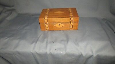 A LATE 19th CENTURY VICTORIAN WALNUT INLAYED SEWING BOX