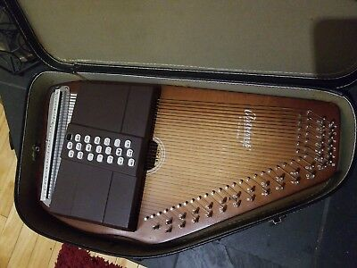 Autoharp by Oscar Schmidt 21-Chord Zither w/ Case & Tuning Key