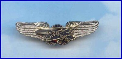PIPER TRI-PACER PA-22 Airplane Plane Wings Pin Aviator 99's