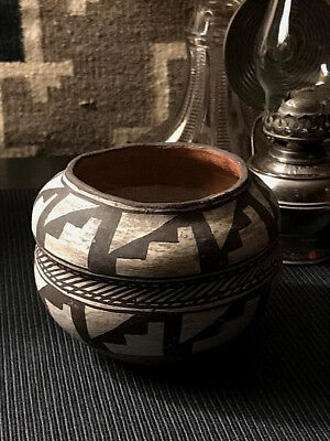 Historic Era Double Lobe Acoma Hand Coiled Olla /thin Walled / Pit Fired