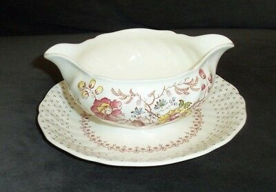 Vtg Royal Doulton Grantham D5477 English Ironstone Gravy Boat With Under plate