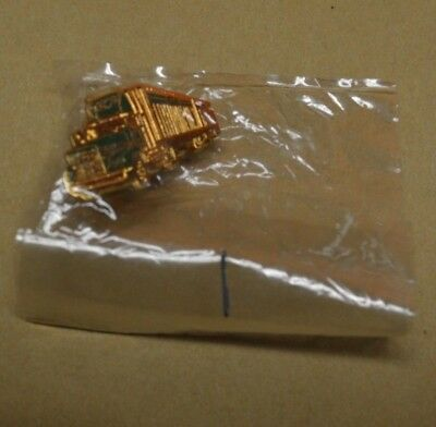 1, New, In The Package, Consolidated Freightways 'Doubles' Lapel/Hat Pin