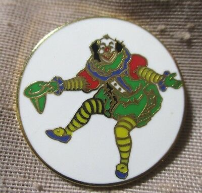 VINTAGE LRG GOLD METAL CLIOSONNE BUTTON WONDERFUL welcoming COLORFUL CLOWN 1-1/4