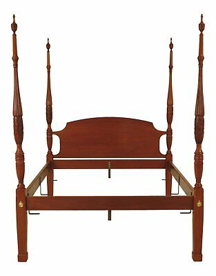 F46552EC: Queen Size Solid Mahogany Rice Carved Poster Bed