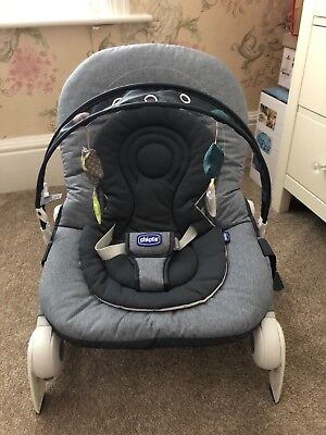 chicco hoopla baby bouncer, blue