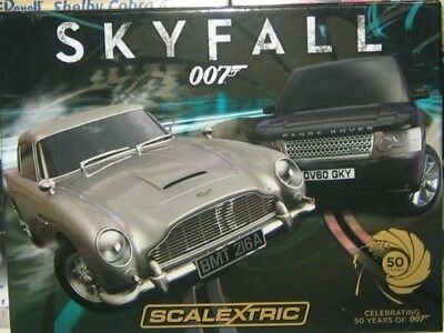 SKYFALL 007 - Celebrating 50 years of 007, Doppelset, Scalextric C3268A