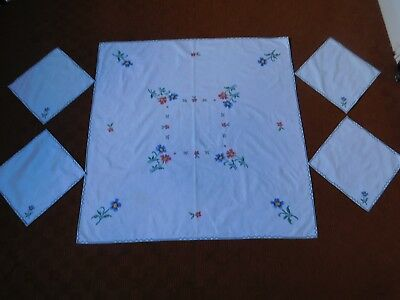 Vintage embroidery tablecloth & four embroidery napkins to match