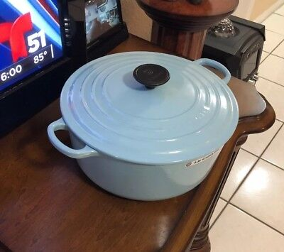 Le Creuset Signature 5.5 qt Round Dutch Oven Blue Sky #26 No Factory Box .