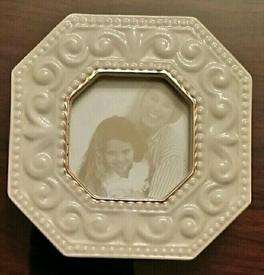 Lenox Small Portrait Picture Frame Ivory Photo Gold Trimmed.