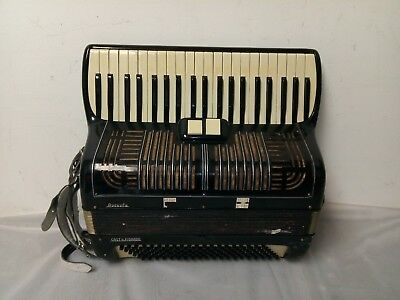 Vintage Augusta 120/41 Intermediate Size 24/17 Accordion