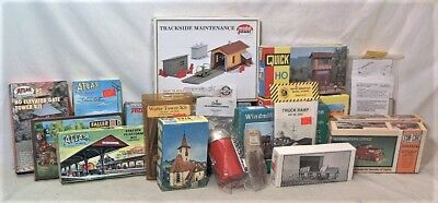 Lot Of 20 Ho Scale Small Buildings & Rr Structures Kits - Unbuilt In The Boxes
